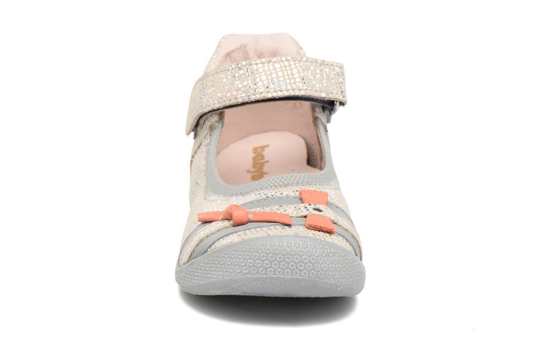 Ballerines Babybotte Shifali Argent vue portées chaussures