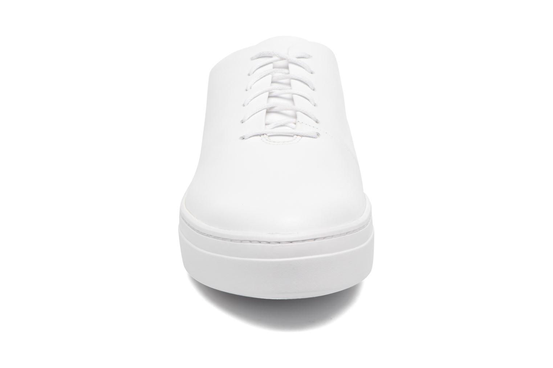 Sneakers Vagabond Camille 4346-101 Bianco modello indossato