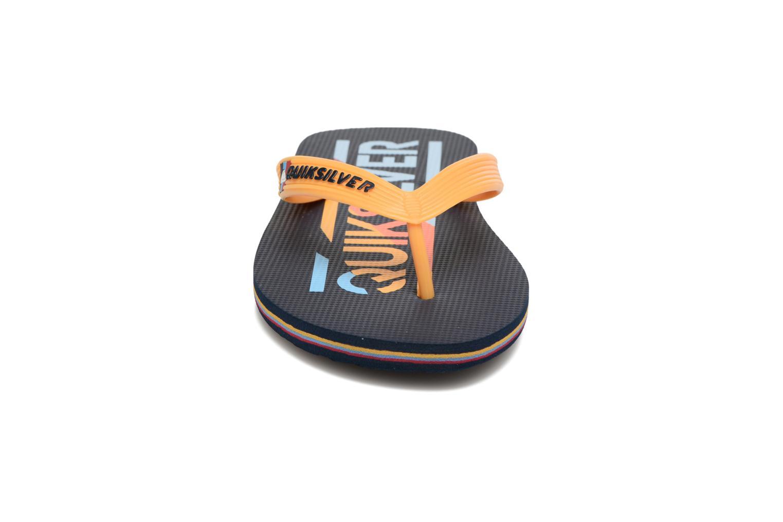 Tongs Quiksilver Molokai B Bleu vue portées chaussures