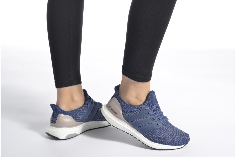 Chaussures de sport Adidas Performance UltraBOOST w Bleu vue bas / vue portée sac