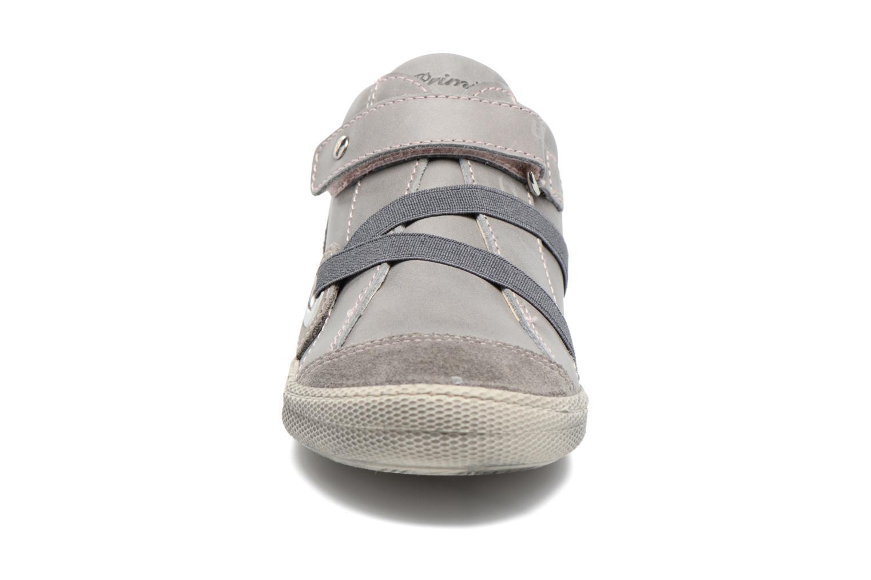 Baskets Primigi Milko Gris vue portées chaussures