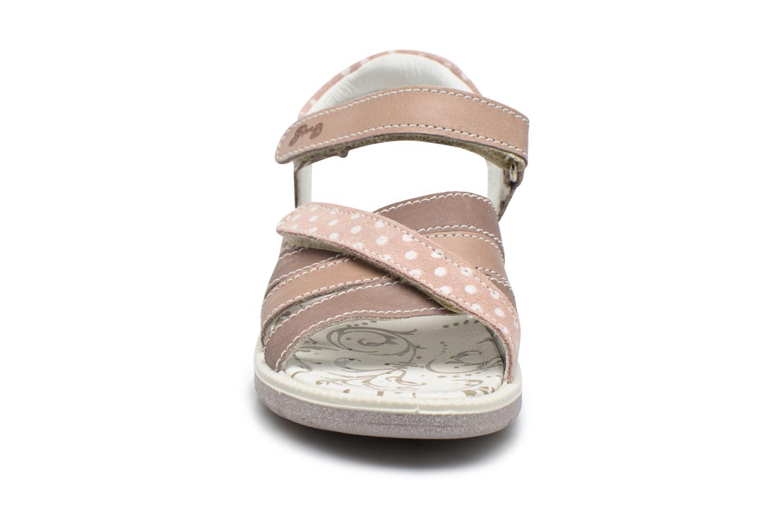 Sandales et nu-pieds Primigi Rita Marron vue portées chaussures