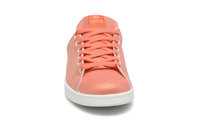 Baskets Victoria Deportivo Basket Tejido Textile Rouge vue portées chaussures