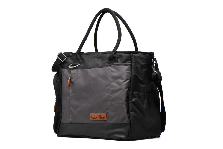 Sacs à main Babymoov Sac à Langer Essential Bag Noir vue portées chaussures