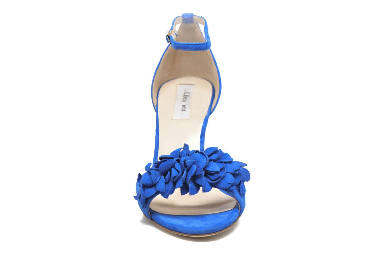 Sandales et nu-pieds L.K. Bennett Claudie Bleu vue portées chaussures