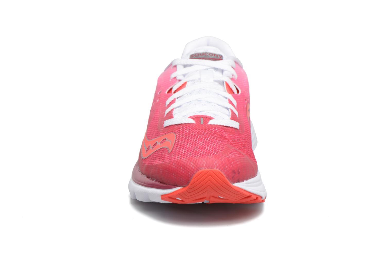 Chaussures de sport Saucony Kinvara 8 W Rose vue portées chaussures