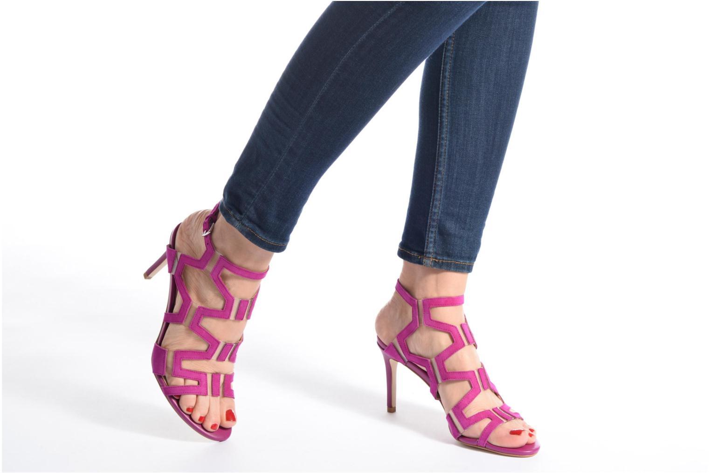 Sandales et nu-pieds Guess CYARRA Noir vue bas / vue portée sac