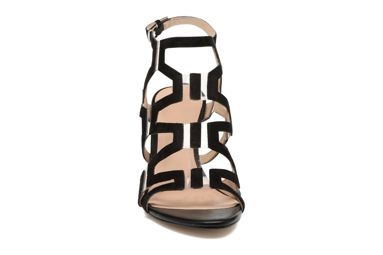Sandales et nu-pieds Guess CYARRA Noir vue portées chaussures