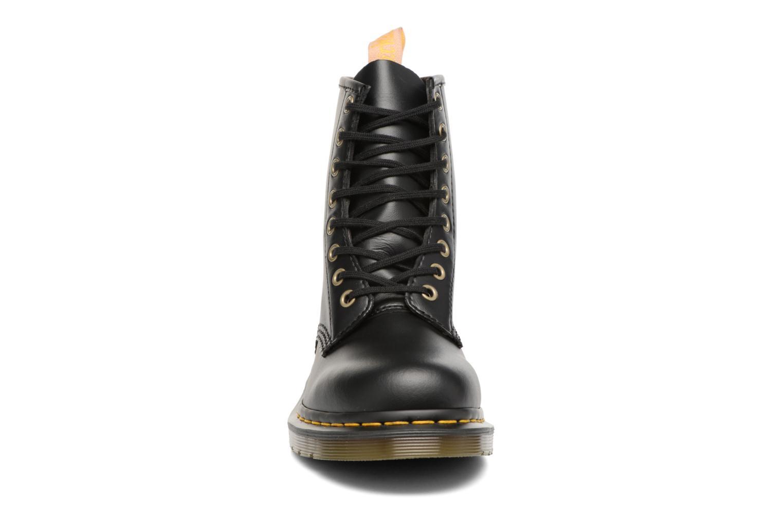 Bottines et boots Dr. Martens Vegan 1460 Noir vue portées chaussures