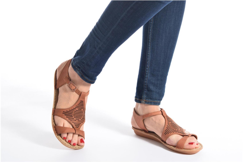 Sandales et nu-pieds TBS Zaharia Noir vue bas / vue portée sac