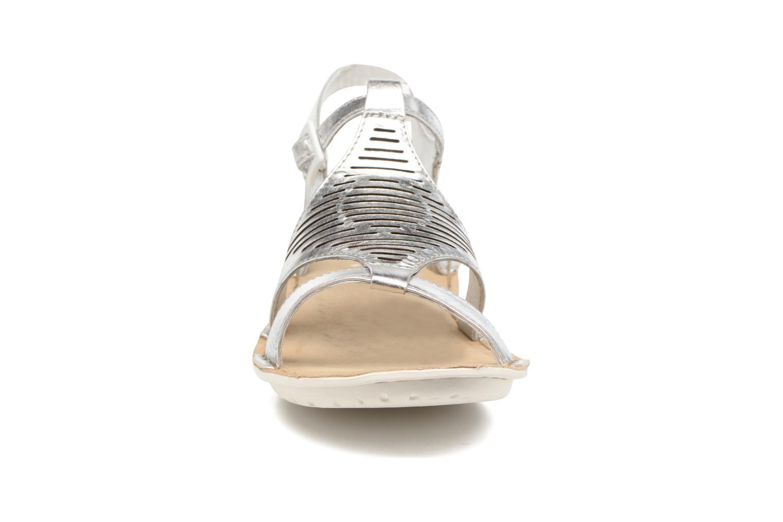 Sandales et nu-pieds TBS Zaharia Argent vue portées chaussures