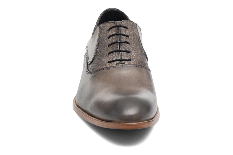 Chaussures à lacets Brett & Sons Jared Gris vue portées chaussures