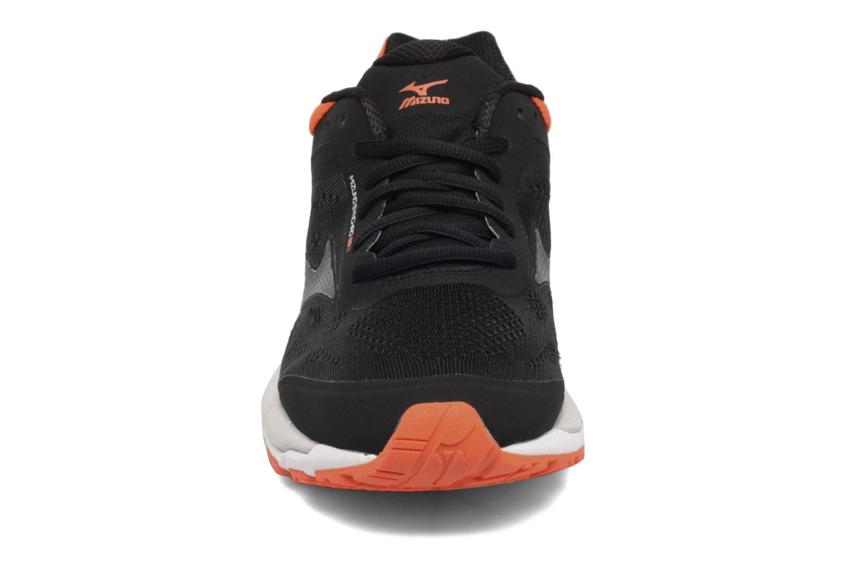 Chaussures de sport Mizuno Mizuno Synchro MX 2 Noir vue portées chaussures