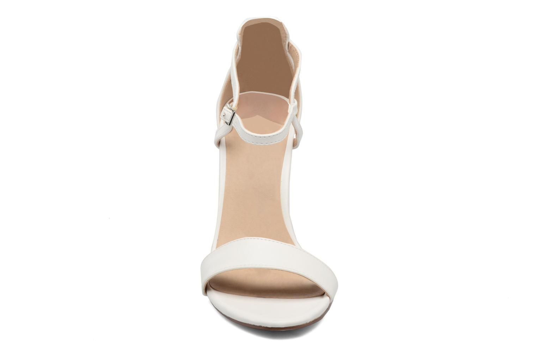 Sandalias ONLY Astrid PU Heeled Sandal Blanco vista del modelo