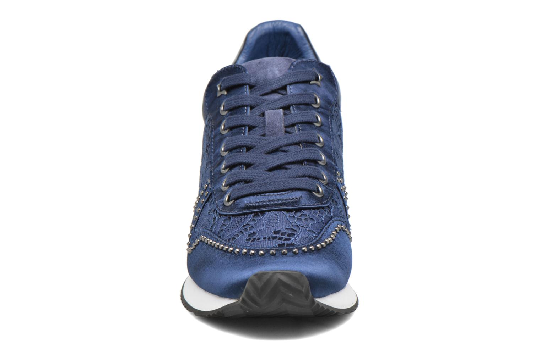 Baskets Ash Blush Bleu vue portées chaussures