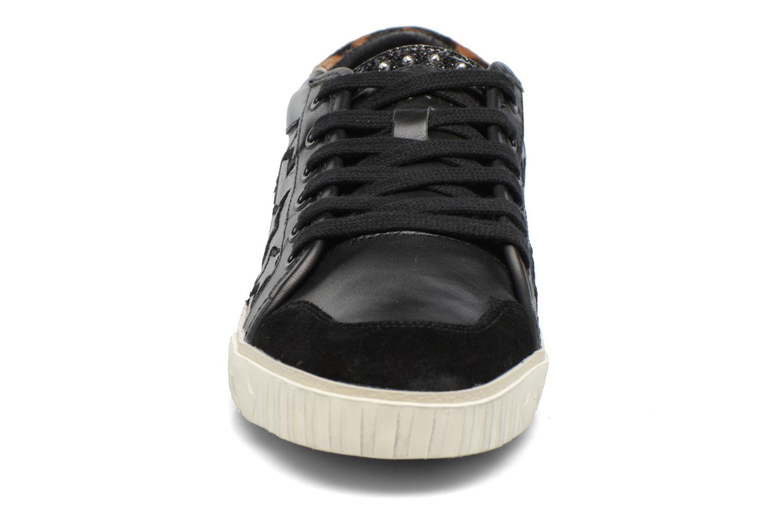 Baskets Ash Majestic Noir vue portées chaussures