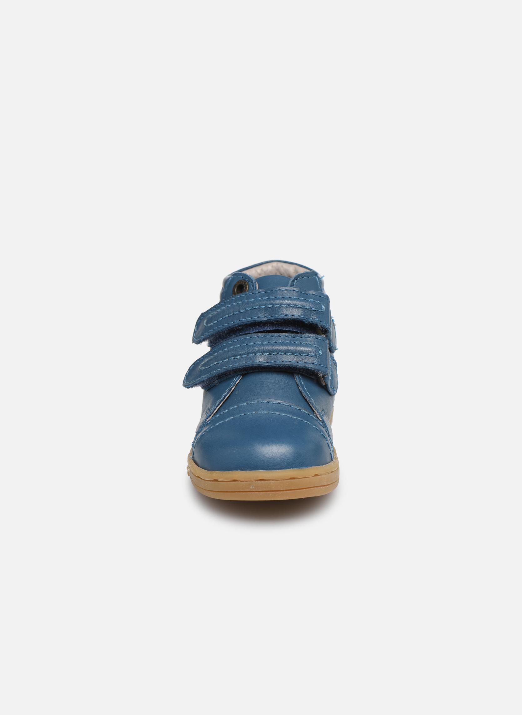 Baskets Kickers Trackpad Bleu vue portées chaussures