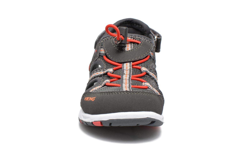Sandales et nu-pieds Viking Thrill Gris vue portées chaussures