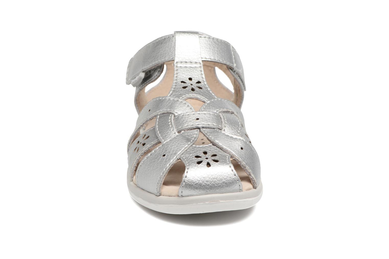 Sandali e scarpe aperte Pediped Nikki2 Argento modello indossato