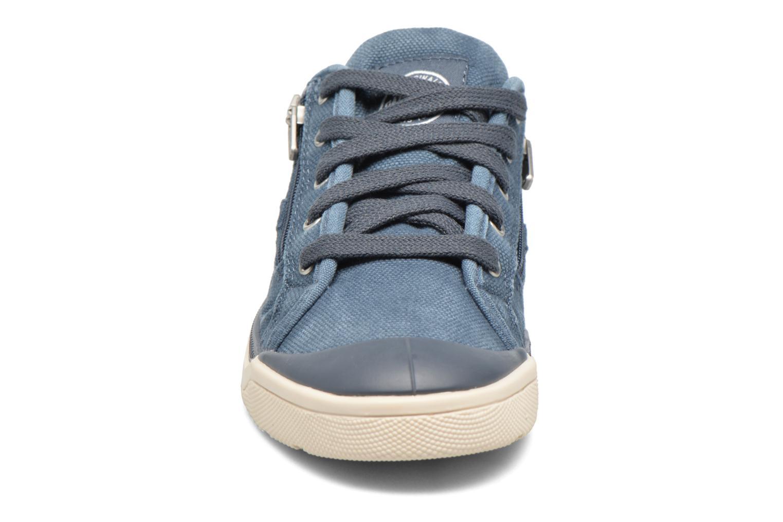 Sneakers Palladium Palaru Z Cvs K Azzurro modello indossato