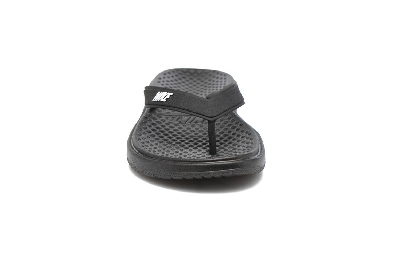 Infradito Nike Nike Solay Thong (Gs/Ps) Nero modello indossato