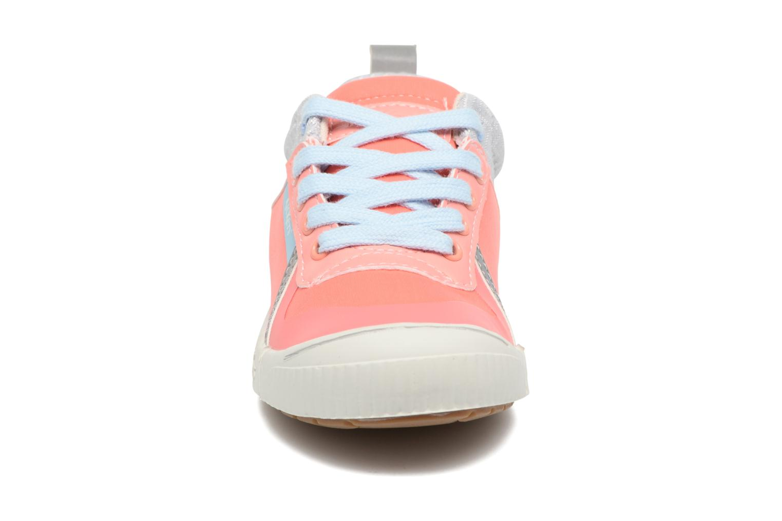 Baskets Kickers Ziguy Rose vue portées chaussures