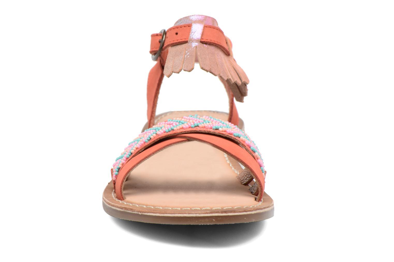 Sandales et nu-pieds Kickers Dixie Rose vue portées chaussures
