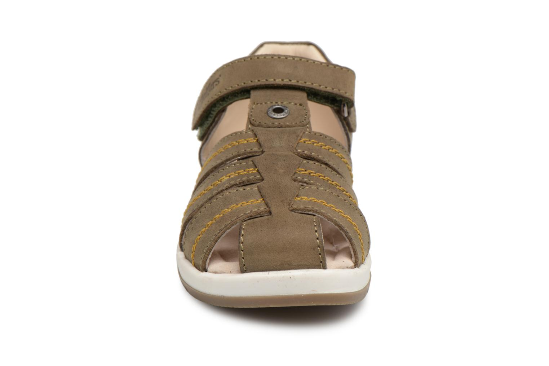 Sandales et nu-pieds Kickers Solaz Vert vue portées chaussures