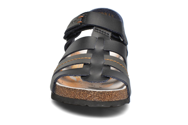 Sandales et nu-pieds Kickers Magiteam Noir vue portées chaussures