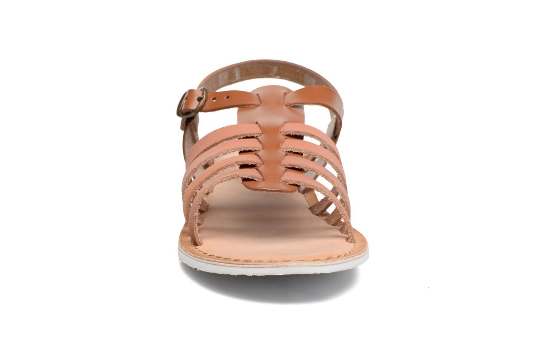 Sandaler Kickers Sparta Brun se skoene på