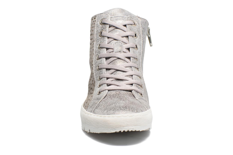 Sneakers Khrio Cacilia Grigio modello indossato
