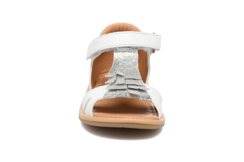 Sandali e scarpe aperte Shoo Pom Wedding Nina Bianco modello indossato