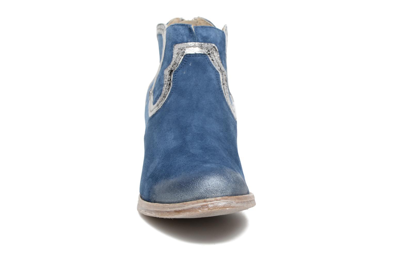 Stivaletti e tronchetti Khrio Giorgia Azzurro modello indossato