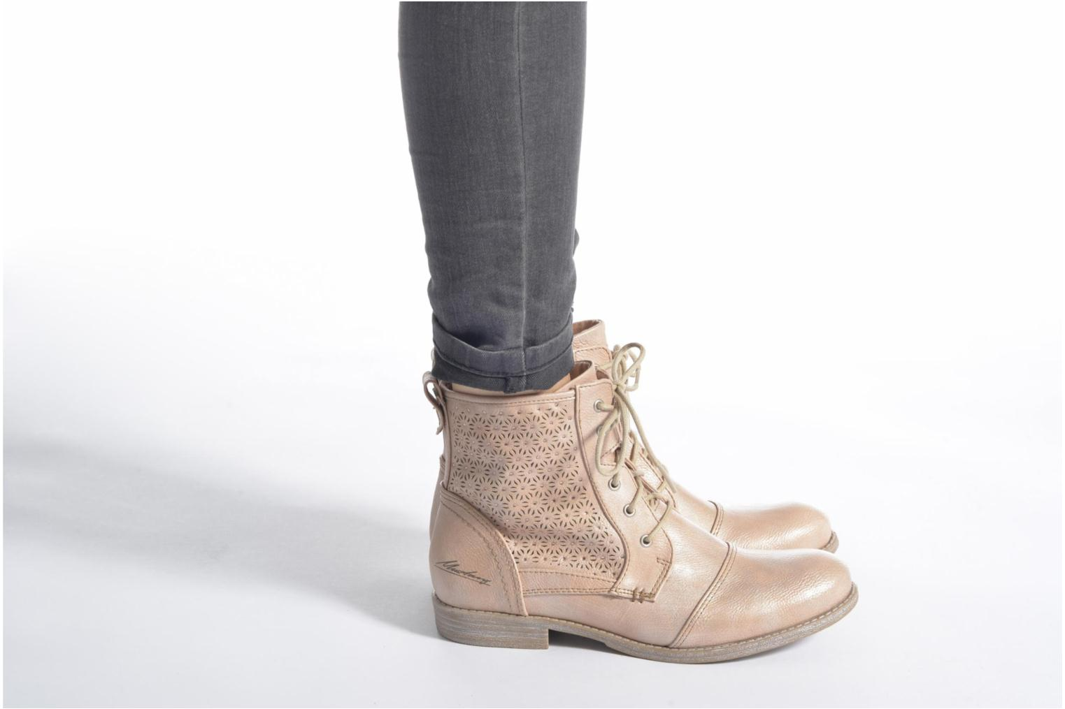 Ankle boots Mustang shoes Chiara Beige view from underneath / model view