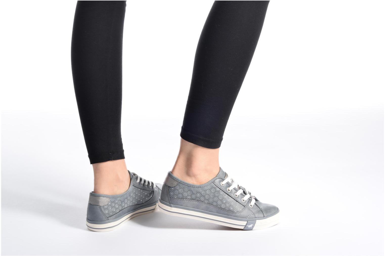 Baskets Mustang shoes Verena Beige vue bas / vue portée sac