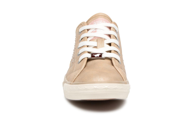 Baskets Mustang shoes Verena Beige vue portées chaussures