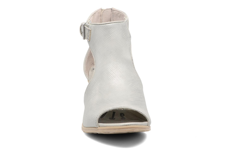 Bottines et boots Mustang shoes Theda Argent vue portées chaussures