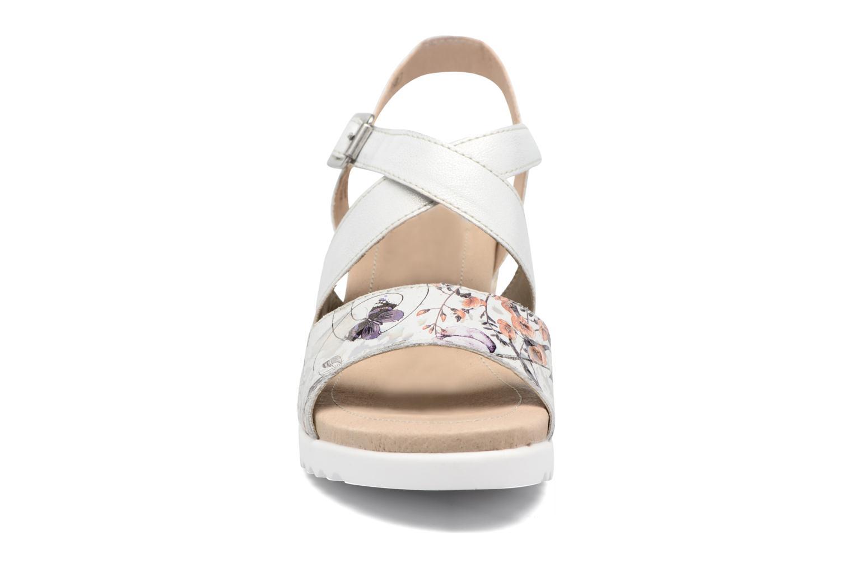Sandales et nu-pieds Remonte Mona D3452 Argent vue portées chaussures