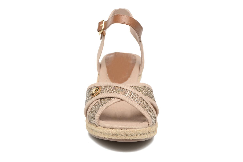 Sandali e scarpe aperte Tom Tailor Vulquin Beige modello indossato