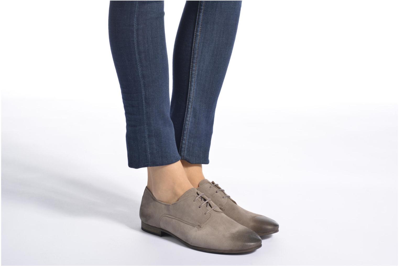 Chaussures à lacets Kickers Galla Beige vue bas / vue portée sac