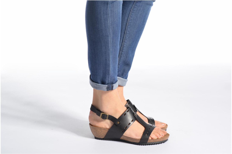 Sandales et nu-pieds Kickers Tokali Noir vue bas / vue portée sac