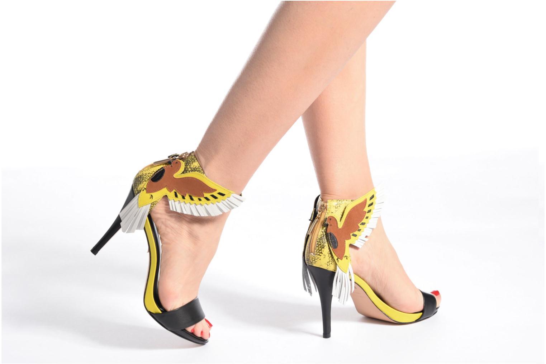 Sandales et nu-pieds COSMOPARIS Jaxi Noir vue bas / vue portée sac