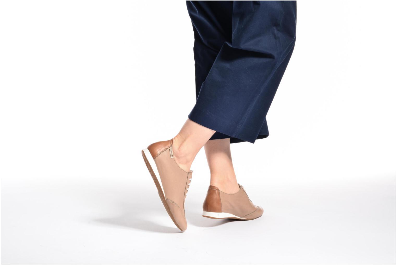 Chaussures à lacets Mephisto Becky Noir vue bas / vue portée sac