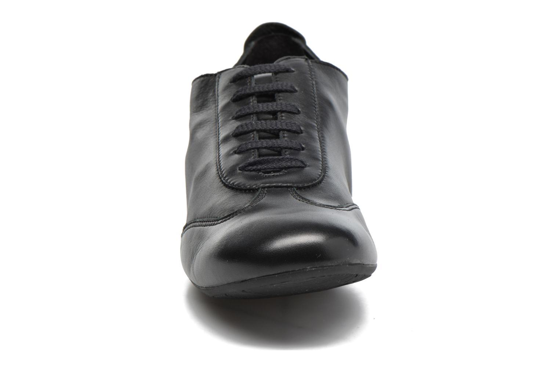 Chaussures à lacets Mephisto Becky Noir vue portées chaussures