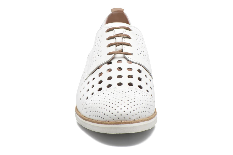 Chaussures à lacets Mephisto Pearl perf Blanc vue portées chaussures