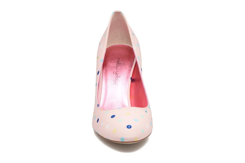 Zapatos de tacón Faguo Escarpin Faguo X Mellow Yellow Rosa vista del modelo