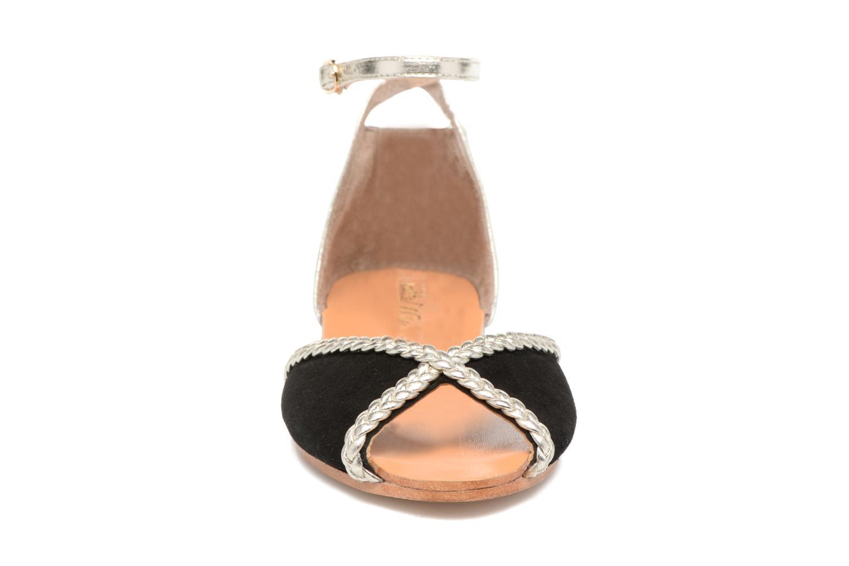 Sandales et nu-pieds Petite mendigote Trefle Noir vue portées chaussures