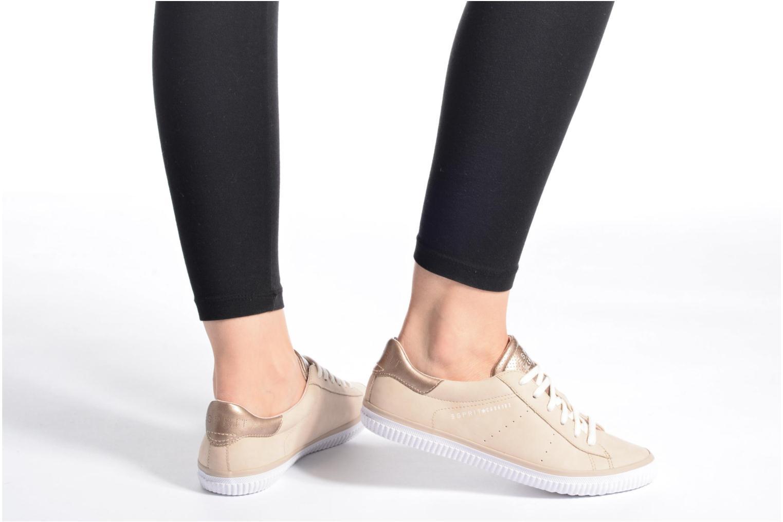 Sneaker Esprit Riata Lace Up beige ansicht von unten / tasche getragen