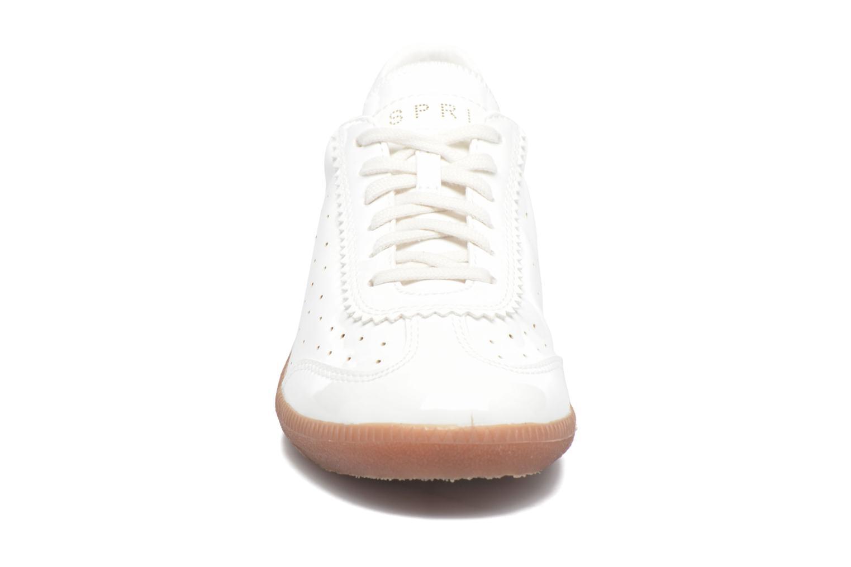 Baskets Esprit Trainee Lace Up Blanc vue portées chaussures