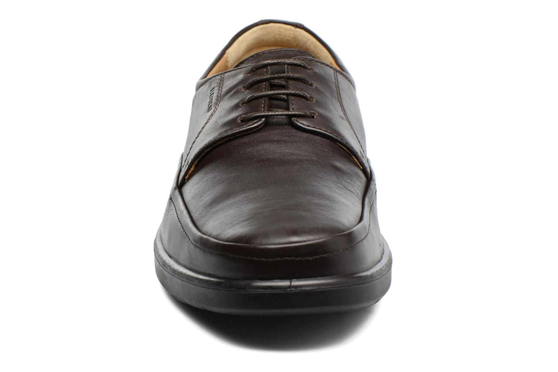Snörade skor Sledgers Gaf Brun bild av skorna på